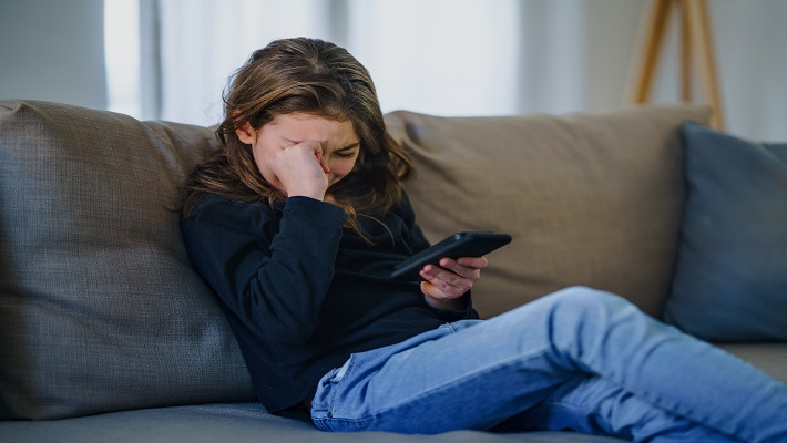 content/en-ae/images/repository/isc/2021/cyberbullying.jpg